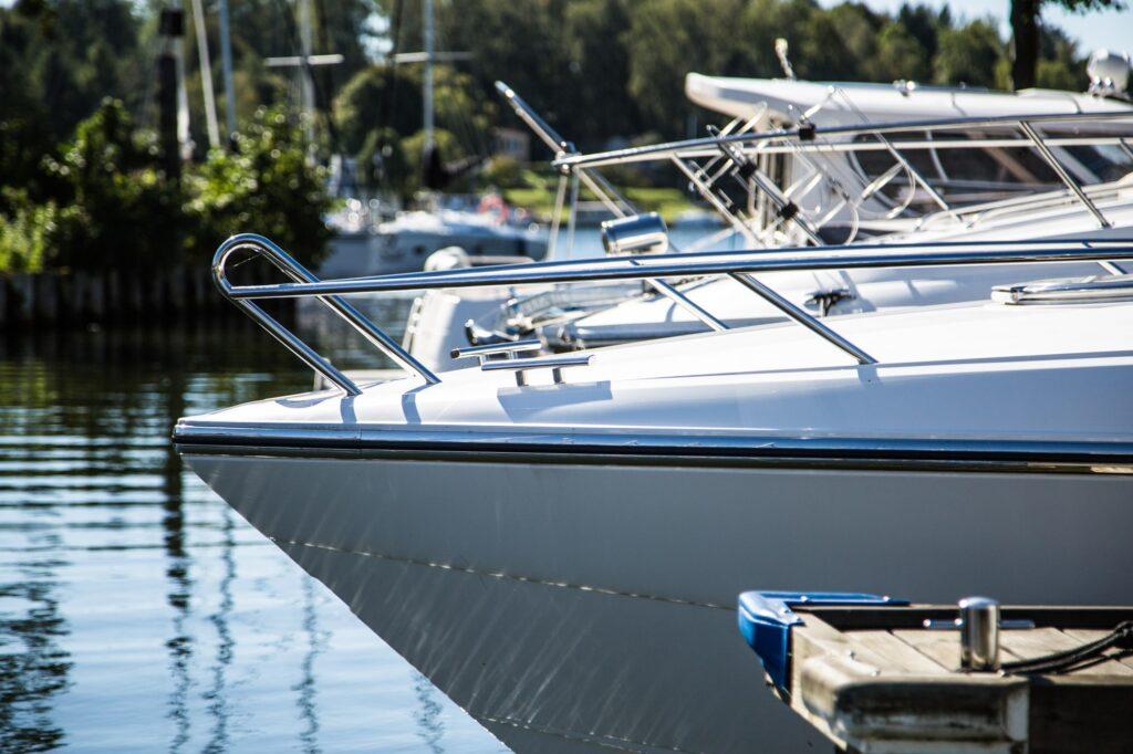 jacht motorowy giżycko-min
